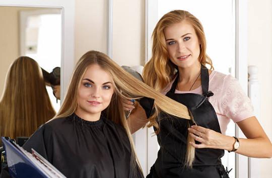 Заказать процедуру можно в салонах красоты, стоимость будет зависеть от состояния и длины волос