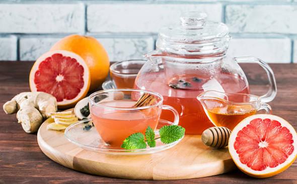 Мед, помимо своих полезных свойств, добавляет в напиток питательности, давая организму необходимое количество энергии