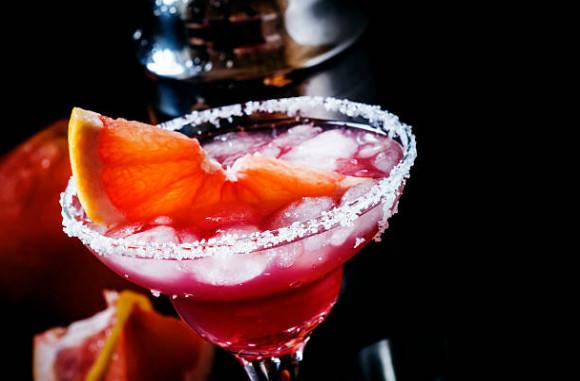 Алкогольные напитки с грейпфрутом можно попробовать в любом кафе