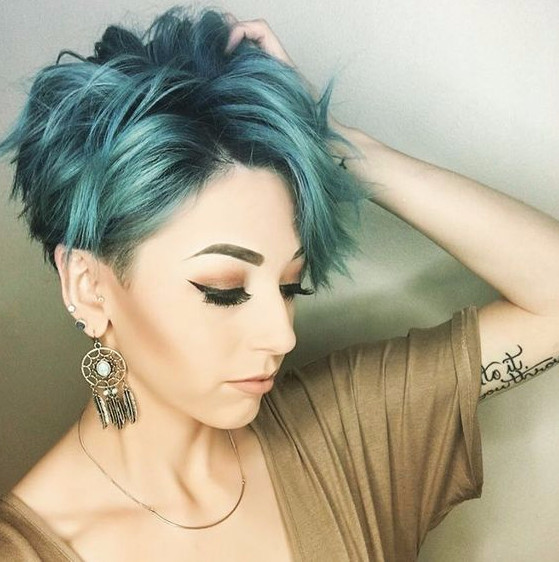 Так нужно стричь волосы техникой Шэг короткие волосы, чтобы получилась укладка, как на фото