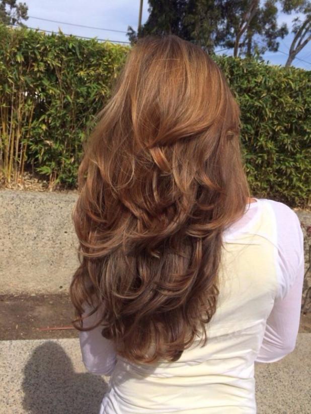 Уложить длинные волосы можно и так