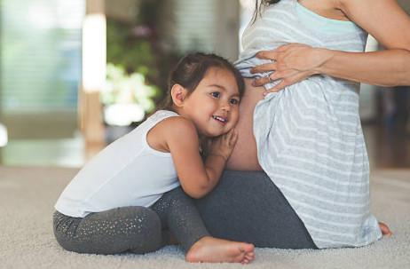 Водный экстракт прополиса не рекомендуется применять маленьким детям (0-3 года) и беременным женщинам