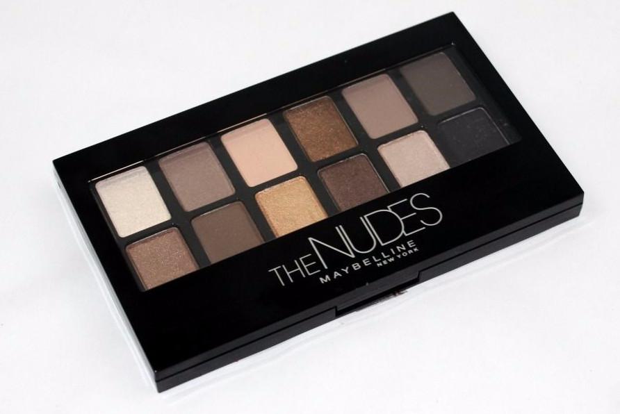 Придумайте вариант макияжа с палеткой The Nudes от Maybelline NY