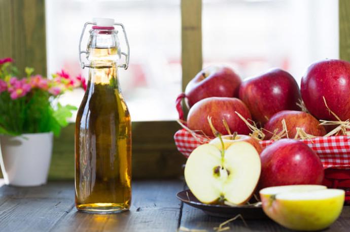 Принимайтеодну чайную ложку яблочного уксуса, разбавленного в 200 мл. чистой воды перед первым приемом пищи в процессе похудения