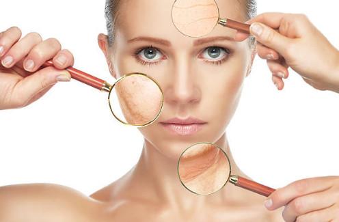 Природный белок, отвечающий за упругость кожи, глубоко проникает в слои эпидермиса и разглаживает морщины изнутри