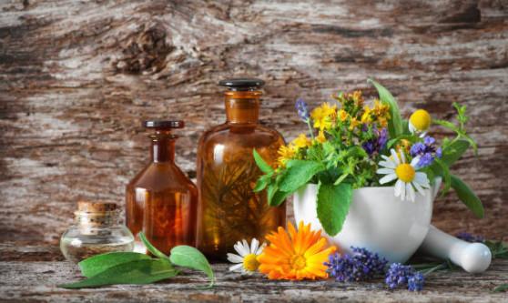 С наступлением лета выбирайтесь из домашних условий и отравляйтесь на природу за травами, натуральные сборы и отвары в некоторых случаях в программе вычищения токсинов и шлаков могут заменить ряд препаратов, лекарств и таблеток