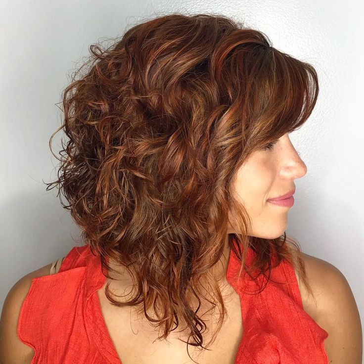 каре на вьющиеся волосы