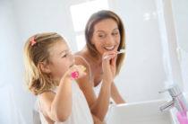 Как легко научить ребенка чистить зубы